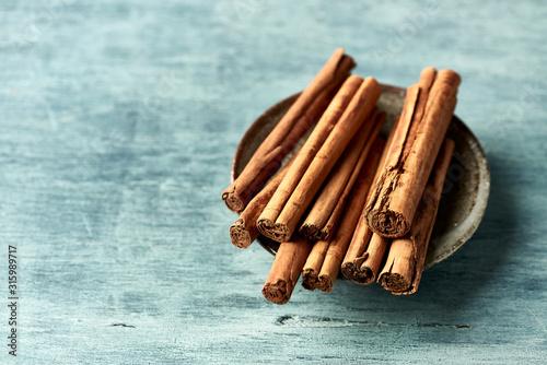 Valokuva Ceylon cinnamon sticks. Natural spices. Close-up. Copy space