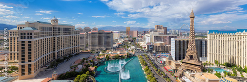 Canvas Print Panoramic view of Las Vegas strip at sunny day