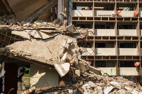 apartment building was  collapse Fototapet