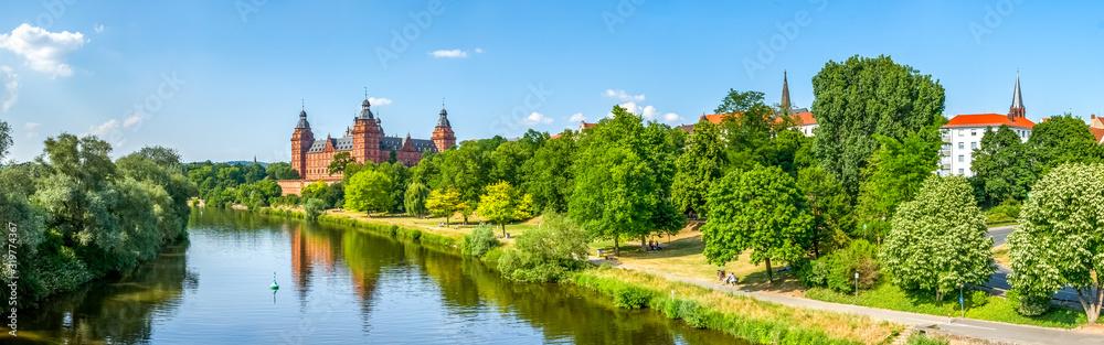 Schloss Johannisburg, Aschaffenburg, Deutschland <span>plik: #319774367   autor: Sina Ettmer</span>