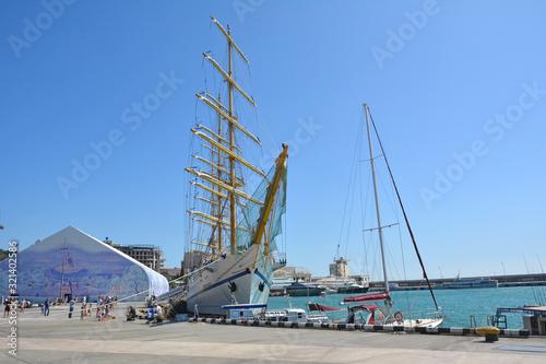 Fotografia Crimea. Yalta. Sailing brig at the pier