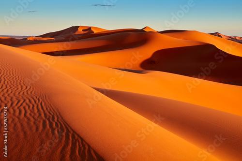 Obraz na płótnie Sand dunes in the Sahara Desert, Merzouga, Morocco