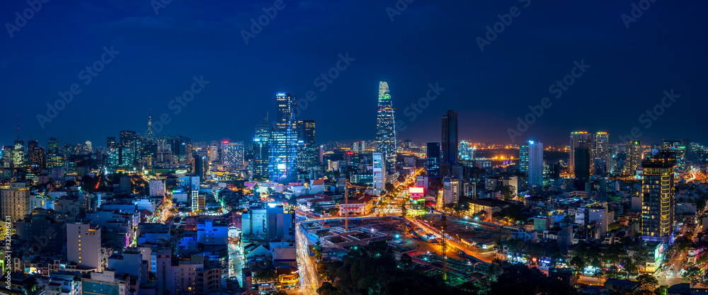 Cityscape of Ho Chi Minh City, Vietnam at magic hour <span>plik: #322036731   autor: hit1912</span>