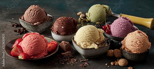 Canvas-taulu Gourmet summer dessert of artisanal ice cream
