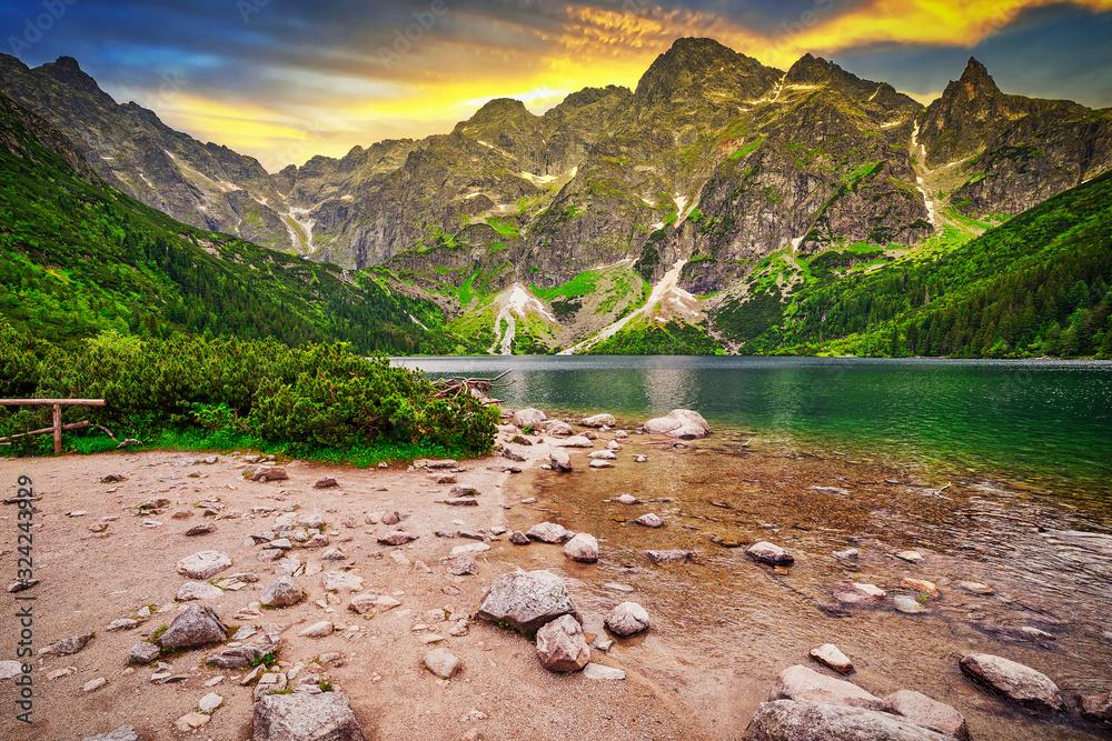 Eye of the Sea lake in Tatra mountains at sunset, Poland <span>plik: #324243929 | autor: Patryk Kosmider</span>