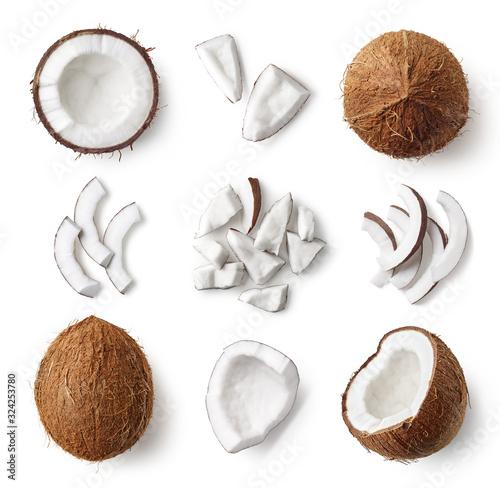 Obraz na płótnie Set of fresh whole and half coconut and slices
