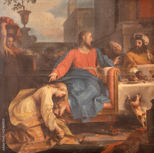 Fotografia RAVENNA, ITALY - JANUARY 28, 2020: The painting of scene The Supper Of Jesus By Simon The Pharisee from the chruch Chiesa di Santa Maria Maddalena by Tommaso Maria Sciacca (1734 - 1795)