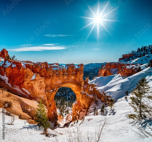 Fényképezés Beautiful scenery of the snowy Bryce Canyon under the shining sun