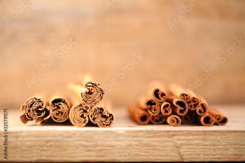ceylon cinnamon and cassia bark .external differences Tapéta, Fotótapéta