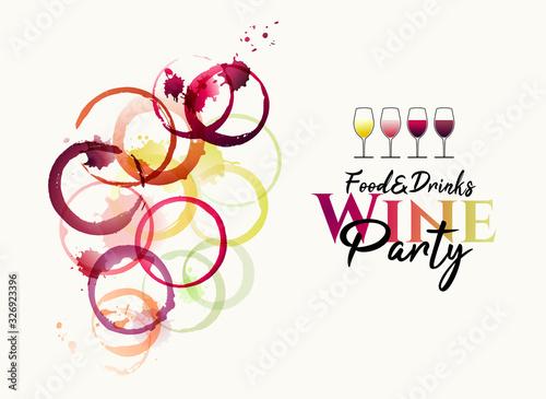 Foto manchas de vino y marcas circulares de copas de vino.