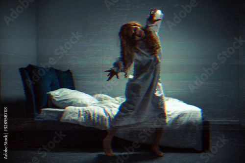 Obraz na plátne selective focus of obsessed creepy girl in nightgown shouting in bedroom