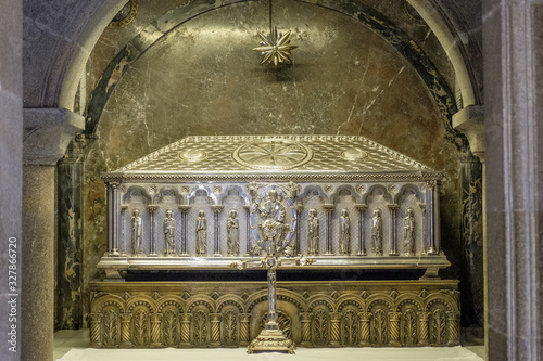 Leinwand Poster shrine of  apostle Saint James in cathedral of Santiago de Compostela in Spain