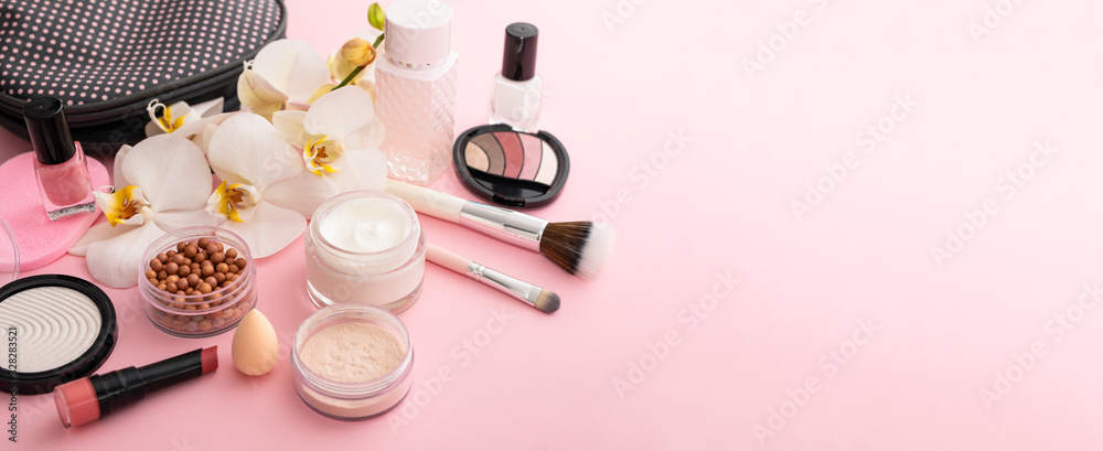 Beauty background with facial cosmetic products. Makeup, skin care concept. <span>plik: #328283521   autor: REDPIXEL</span>