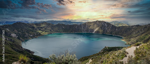 Tableau sur Toile Amazing sunset at Quilotoa lake, located inside a volcano crater