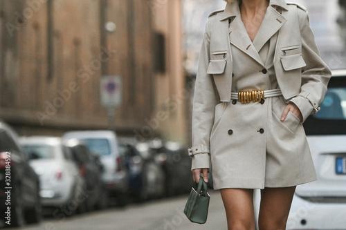 Obraz na plátně Street style outfit - streetstylefw20