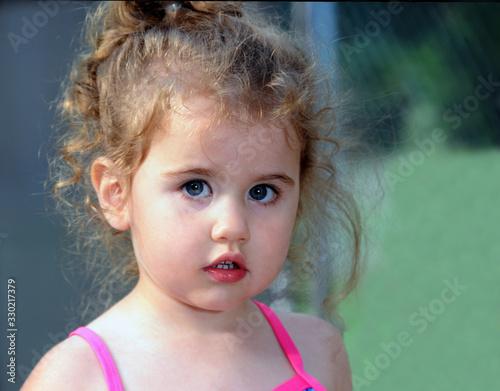 Fotografija Curly Headed Cherub Closeup