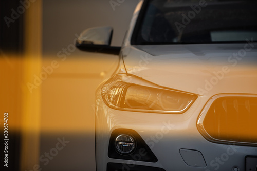 Photo bmw luxury exotic car front view in sunny day light