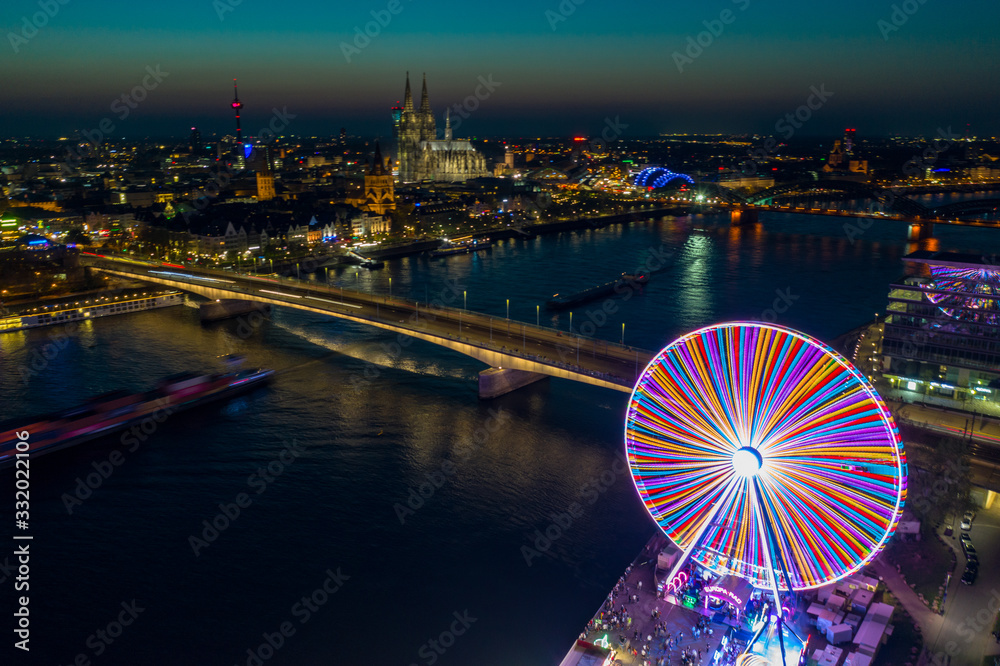 aerial view from amusement park in Cologne city, Germany <span>plik: #332022106 | autor: Rick Neves</span>