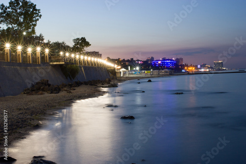 Canvas-taulu Night view of embankment in Odessa city near the Black sea