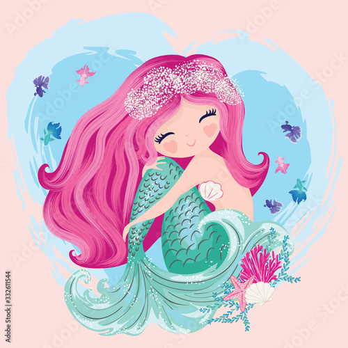 Photo Little cute mermaid with fishes and seashells