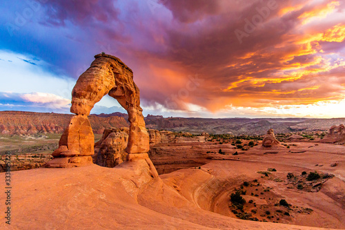 Photo Sunset over Delicate Arch - Desert Arches National Park Landscape Picture