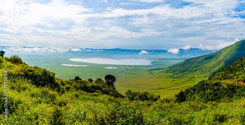 Leinwand Poster View over Ngorongoro Crater, Tanzania, East Africa (UNESCO World Heritage Site)