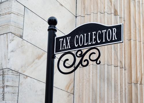 Fotografia Tax Collector Sign
