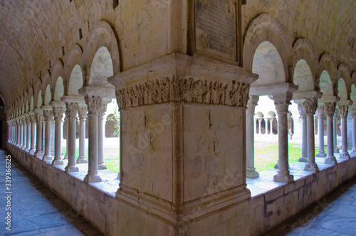 Colonnades In Historic Church Fototapete