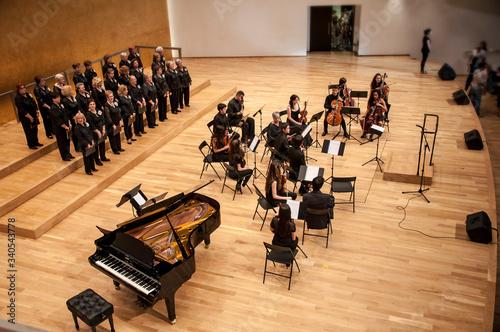 Carta da parati Concert of voice and orchestra