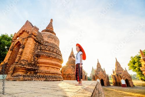 Young girl in Bagan Myanmar Fotobehang