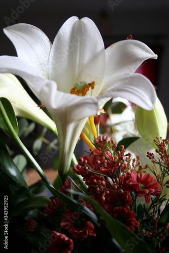Valokuva Liliens in einem Straußarrangement