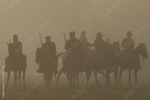 American Civil War horseback riders prepare to advance in battle Fototapete