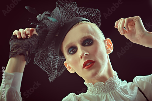 Fotografie, Obraz avant-garde fashion