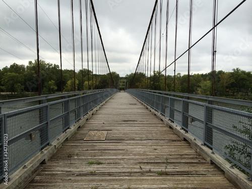 Canvastavla Empty Footbridge Against Sky