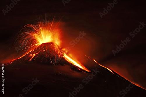 Canvas Print Volcanic Eruption Against Sky
