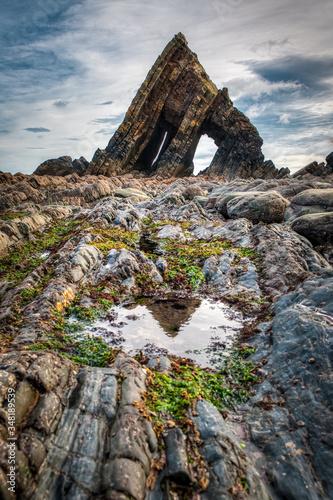 Photo Blackchurch rock formation at low tide