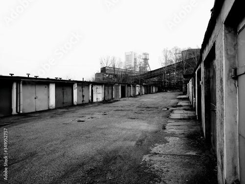 Obraz na plátně Buildings At Coal Mines Sky