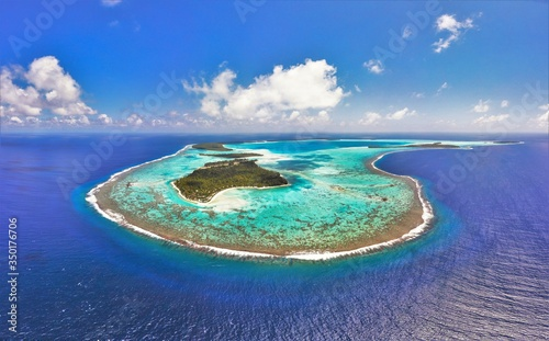 Fotografie, Obraz Beautiful beach and lagoon at the Brando Tetiaroa Private Island