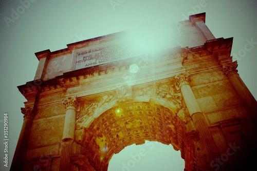 Arch Of Titus Against Sky Fototapeta