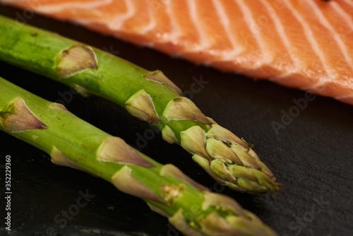 Photo Salmon Fish Cooking Raw Fillet Pepper Salt Olive Oil Rosemary Lemon Green Aspara