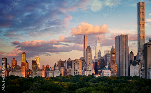 Foto New York City Upper East Side skyline over the Central Park at sunset, USA