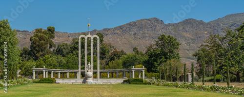 Fotografia Panorama of Huguenot Memorial, Franschhoek, South Africa