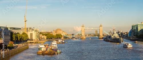 Canvas Print Tower Bridge and HMS Belfast warship in London