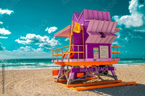 Canvastavla beach hut on the beach