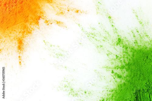 Fotografia Orange and green color powder splash