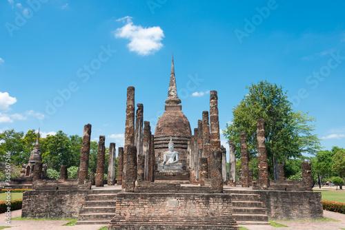 Obraz na płótnie Wat Sra Sri in Sukhothai Historical Park, Sukhothai, Thailand