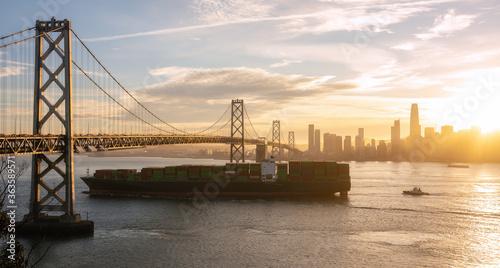 Stampa su Tela Container Ship Passing San Francisco Bay Area