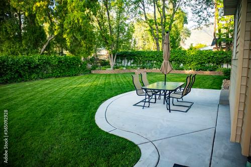 Cuadros en Lienzo backyard patio table