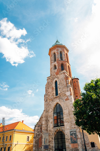 Fotografia, Obraz Church of Saint Mary Magdalene at Buda castle district in Budapest, Hungary