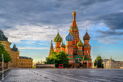 Fotografie, Obraz Saint Basil's Cathedral and Red Square in Moscow, Russia